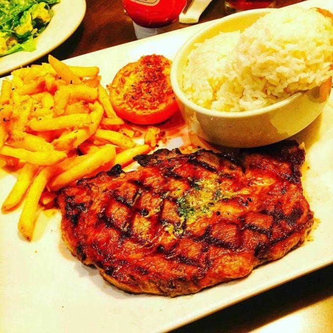 グアム フライデイズ ステーキ