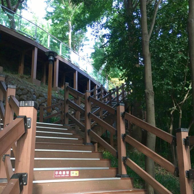 釜山タワー階段