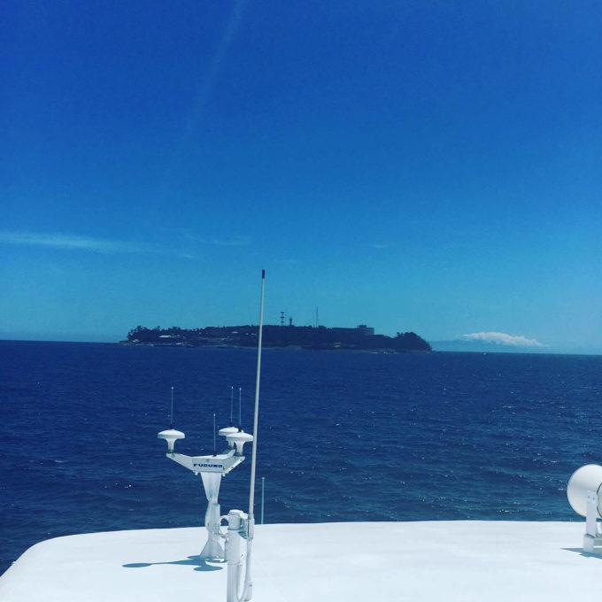 初島行き船からの眺め