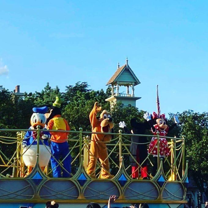 ディズニーランド パレード